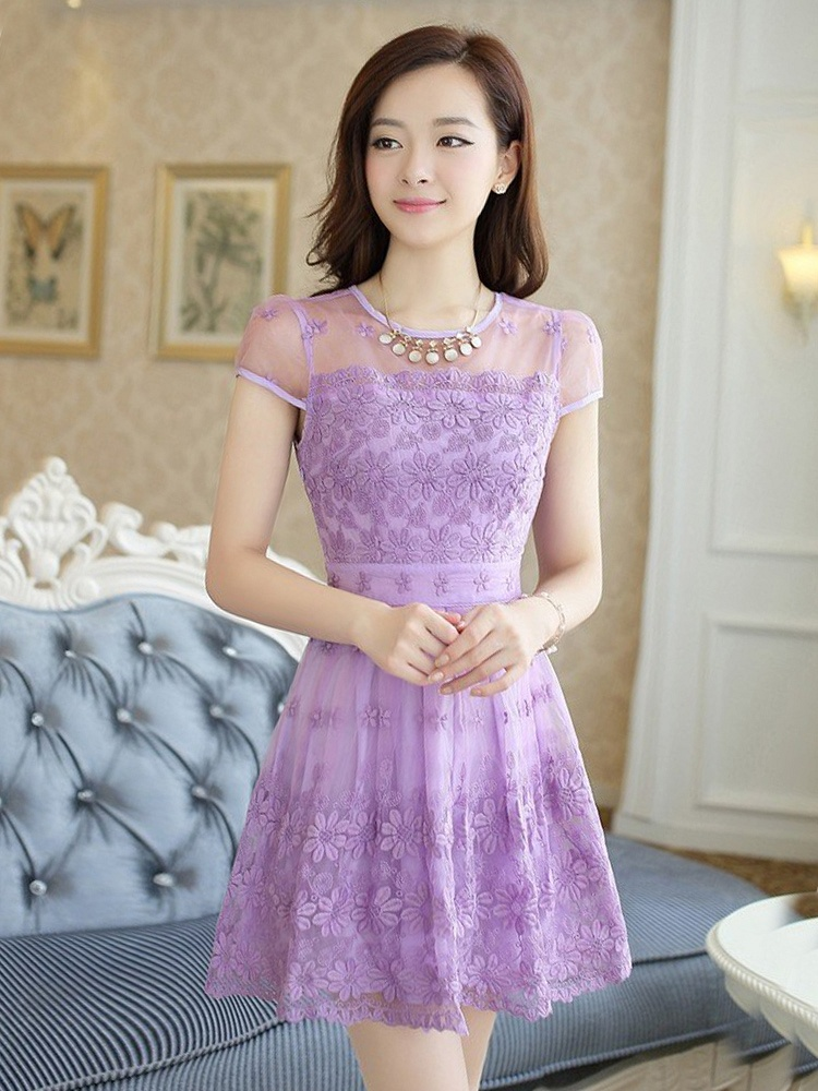 紫色蕾丝钩花镂空连衣裙