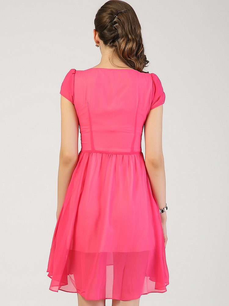 优雅浪漫腰部花边竖向收腰设计飘逸连衣裙
