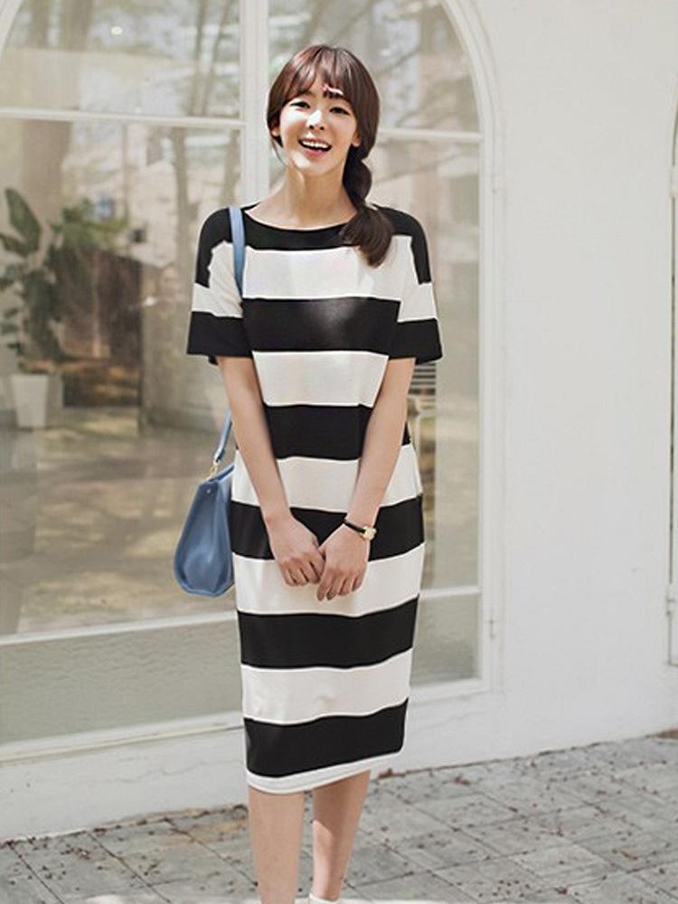 韩国时尚黑白条纹圆领休闲连衣裙
