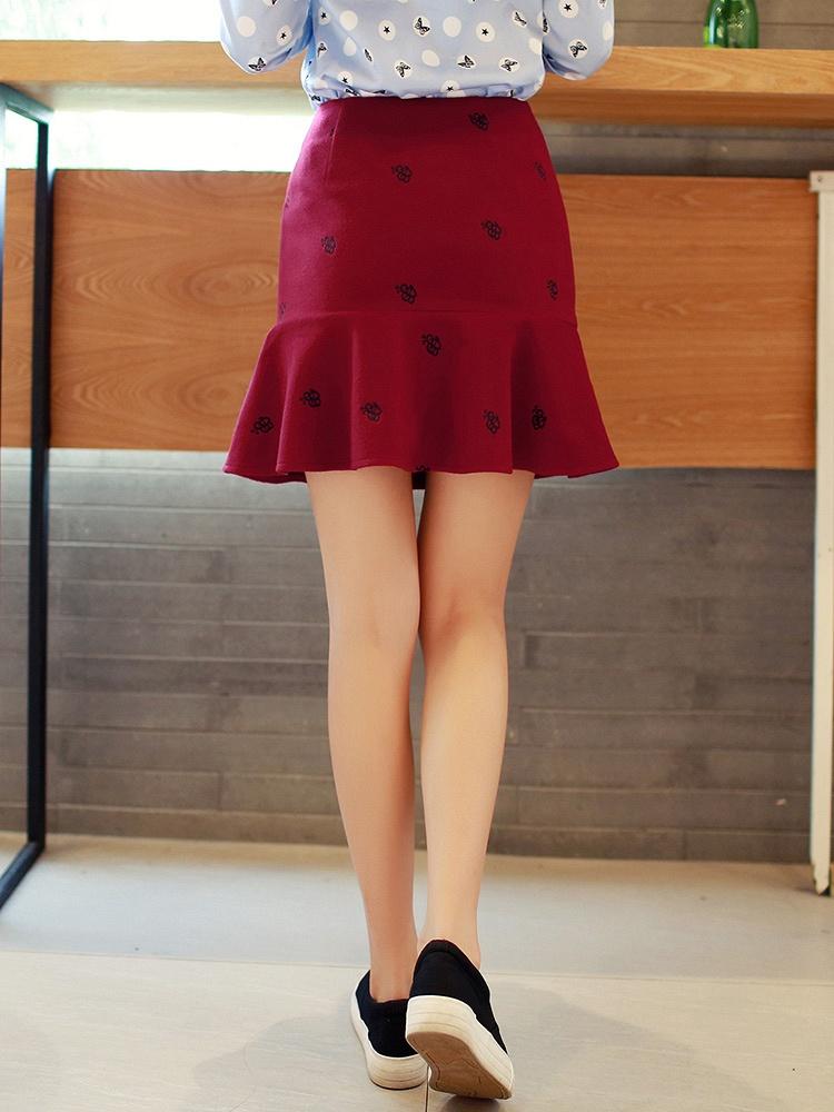 新款可爱小蜜蜂刺绣半身裙