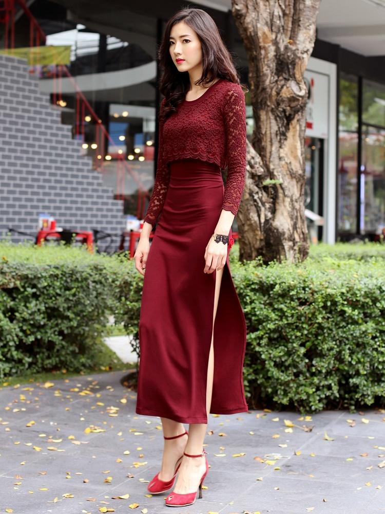酒红色蕾丝连衣裙