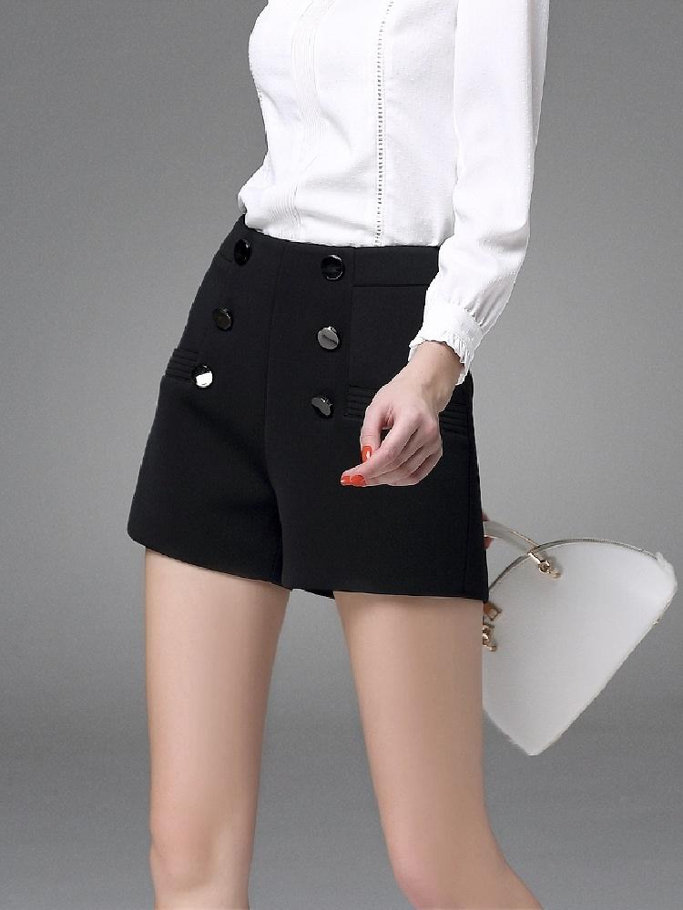 纯黑色高腰百搭短裤
