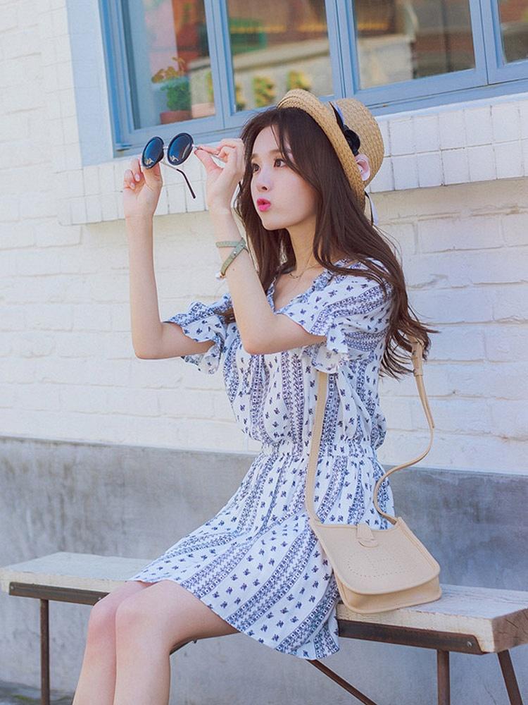 夏装新款花边领子碎花连衣裙