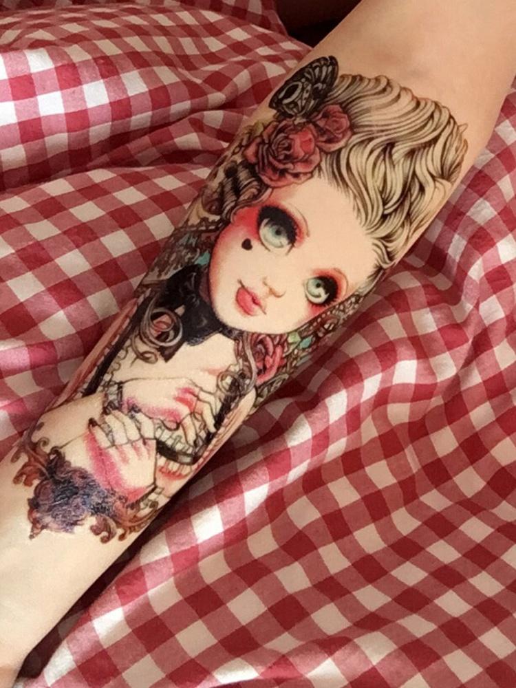 可爱大眼娃娃花臂纹身贴纸