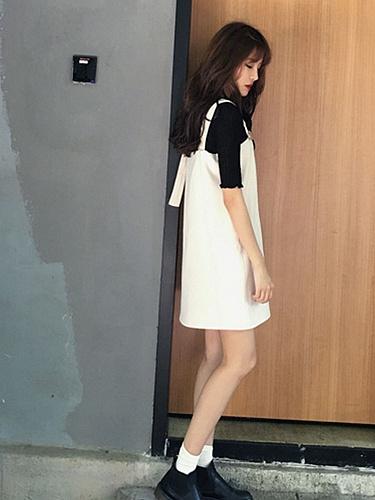 白色直筒可调节纯色背带裙