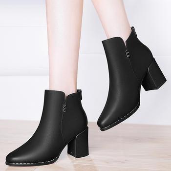 秋冬新款?#39184;反指?#21518;拉链女短靴