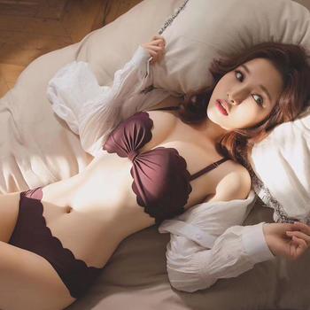 啵啵纯女调整型性感聚拢文胸套装