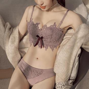 维妮芳 蕾丝刺绣性感无钢圈侧收聚拢文胸套装