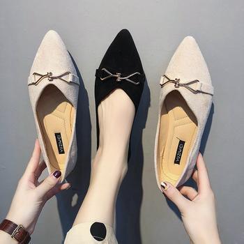 安欣娅新款金属装饰尖头浅口单鞋