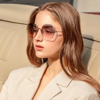 帕森新品太阳镜女 时尚不规则墨镜 金属大框潮驾驶镜