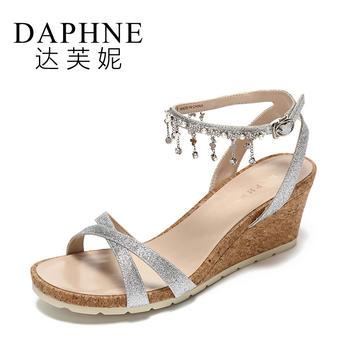 Daphne/达芙妮夏季交叉鞋带坡跟挂珠时尚女凉鞋1017303098