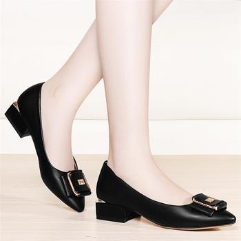 女韩版时尚春季新款尖头粗跟单鞋