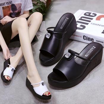 Tatyana2019夏季新款纯色露趾水钻镂空坡跟平底拖鞋女鞋