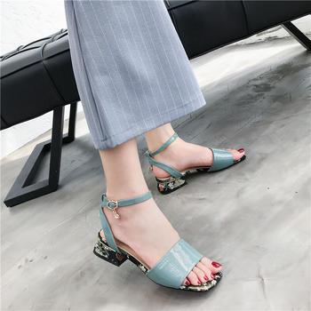 佑黛夏季新款露趾凉鞋一字扣带方跟中空鞋低跟仙女鞋