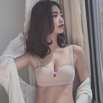 维妮芳 无钢圈聚拢收副乳性感文胸 少女内衣 运动简约