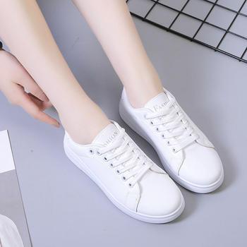 蝶恋霏秋季新款经典百搭小白鞋运动板鞋
