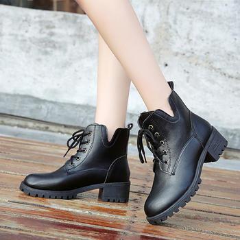 蝶恋霏冬季新款时尚中跟百搭舒适粗跟英伦风马丁靴