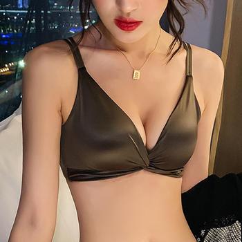 维妮芳 软薄舒适性感光面美背透气内衣 小胸聚拢无痕无钢圈文胸