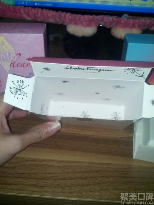 图案 继续/连盒子里面都是蒲公英图案,非常美丽。我都是凭着感觉去买这支...